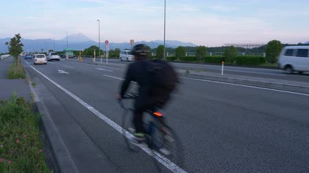biciclette in montagna : Mt. Fuji over the Highway (Koshukaido R20) (tempo reale con audio)