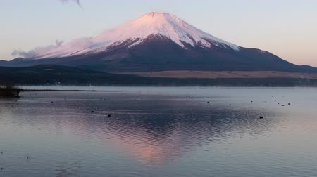 mt : Mt. Fuji over Lake Yamanaka in the Morning (in time lapsezoom)