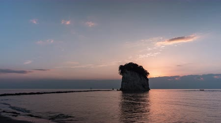 морских птиц : Attractions in Suzu, Ishikawa Prefecture Mitsuke rock  (time lapse)