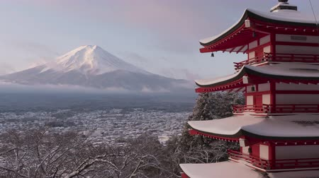 fuji : Mt. Fuji over the Chureto Pagoda in Winter (night to morning time lapsepan)