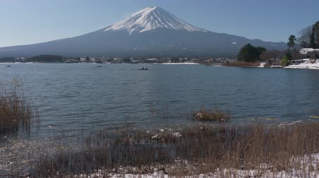 kano : Mt. Fuji over Lake Kawaguchi in Winter (pan)