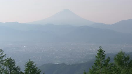 havza : Mt. Fuji over the Kofu Basin from Mt. Amari in a Sunny Spring Morning (time lapsetilt up)