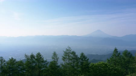 mês : Mt. Fuji over the Kofu Basin in Spring (time lapse)