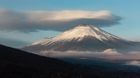 snowcapped : Mt. Fuji with a Huge Lent Cloud (time lapse)