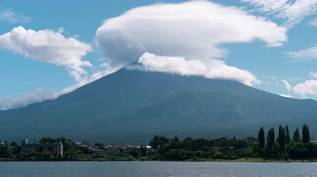 mt : Mt. Fuji with a Lenticular Cloud over Lake Kawaguchi (time lapsepan)