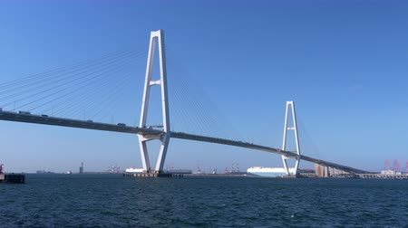 triton : LargeCable-Stayed Bridge in Nagoya Japan (Meiko Triton - Meiko Chuo Oohashi) (zoom out)