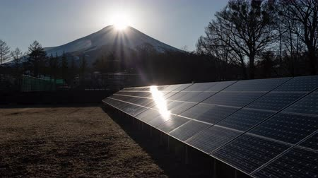 ambientalmente : Diamond Fuji and Solar Panels (Time LapseZoom Out)