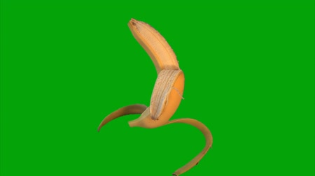 muz : Building a banana on green screen