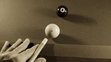 descanso : Pool balls on billiards game table