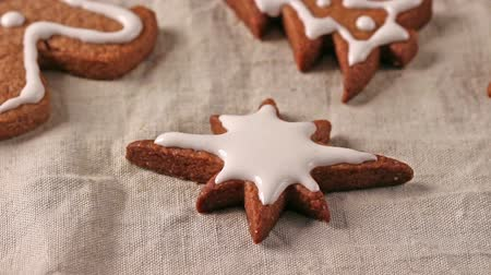 keksz : Making and decoration christmas cookies with cookie cutters Stock mozgókép