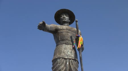 vientiane : King Anouvong Chao Anou statue in Vientiane Laos Stock Footage