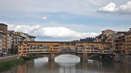 florencja : View of Gold (Ponte Vecchio) Bridge in Florence