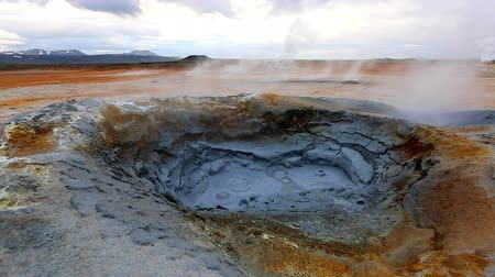 geyser iceland : Boiling mud of the geothermal area Hverir (Hverarond). Popular tourist attraction. Dramatic and picturesque scene. Location place Myvatn lake, Krafla, Iceland, Europe. Discover the world of beauty.