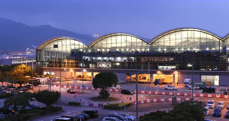 havaalanı : Hong Kong 14 October 2017:- Hong Kong international airport in the evening