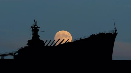 donanma : Battleship during moonrise.