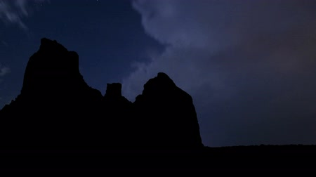 nuvens : Boynton Canyon during the night storm.