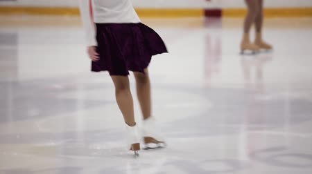 Figure skating, ice skating training. Feet skater on the ice, close-up, 影像素材