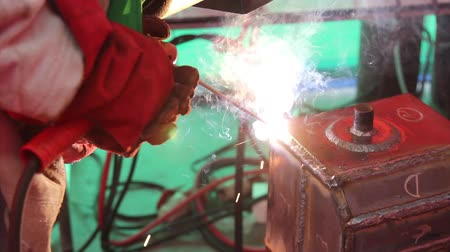 emek : Welding and bright sparks