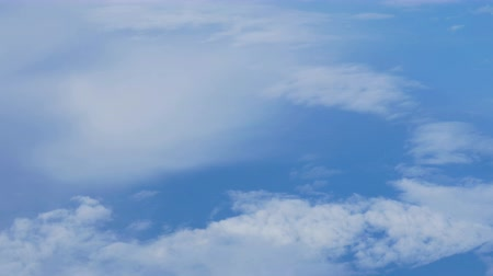 bílé mraky : Arial shot of a flight through clouds. 4K.