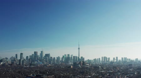 4K Aerial Establishing Shot of a Neighbourhood in Toronto, Ontario. (All logos and signs removed in post.) Stok Video
