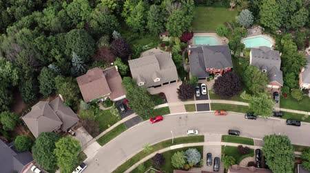 townhouse : Aerial Establishing Shot of the Suburbs in Late Spring, Summer. Cinematic 4K Footage. Stock Footage