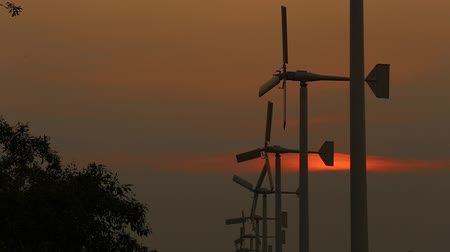 türbin : Beautiful silhouette Wind turbine power generator at Bangpu Recreation Center (Samut Prakan, Thailand)