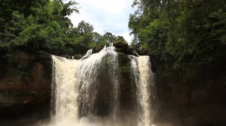 selva tropical : Beautiful Unesco Haew Suwat Waterfall en Khao Yai