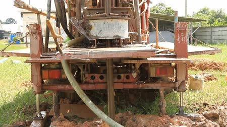 wiertarka : Modern rotary drill rigs bore water well