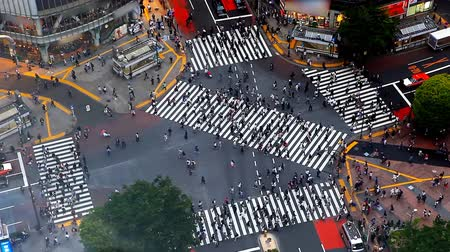 útkereszteződés : Time lapse of Shibuya pedestrian crossing also known as Shibuya scramble
