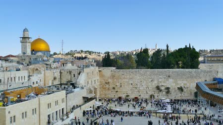 wailing : Jerusalems Western wall and Dome of the rock Stock Footage