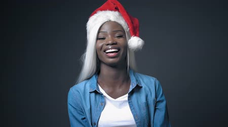 naga : African Young Woman Girl With White Hair Like Santa Claus. Happy Ð¡hristmas. Cute Girl On White Background In Studio. Hair Beauty Concept. Wideo