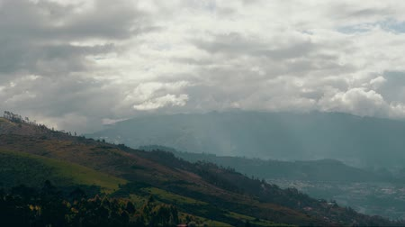geniş açılı : View of Mountains in Ecuador Stok Video