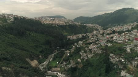 View of the city and the canyon, Mountains
