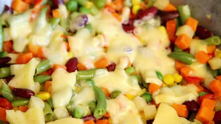 hiss : Stewing vegetable mix with melt cheese