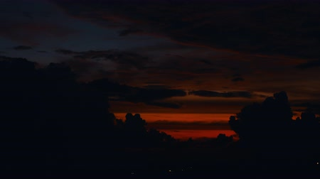 gamma : time lapse sunset, sunrise in jungle, silhouettes of palm, bright cirrus clouds Stock Footage