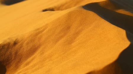 areias : deset sand dunes in Oman and abstract movement of the wind