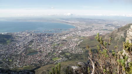 áfrica do sul : in cape town south africa city skyline from table mountain ocean sky and house