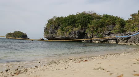 críquete : in philippines sky ocean nature reserve and rocks