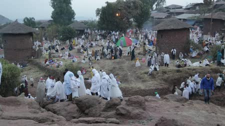 ksiądz : ETHIOPIA, LALIBELA-CIRCA JANUARY 2018 - unidentified people in the genna celebration Wideo