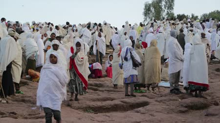 padre : ETHIOPIA, LALIBELA-CIRCA JANUARY 2018 - unidentified people in the genna celebration Vídeos