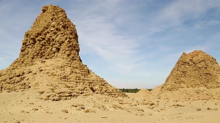 pyramida : in africa sudan napata karima the antique pyramids of the black pharaohs in the middle of the desert