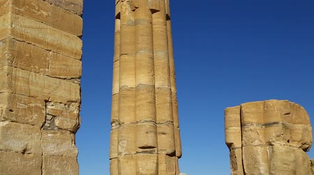 ファラオ : in africa sudan sole the antique temple of the black pharaohs in the middle of the desert 動画素材