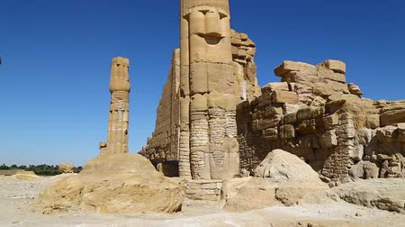 faraon : in africa sudan sole the antique temple of the black pharaohs in the middle of the desert Dostupné videozáznamy