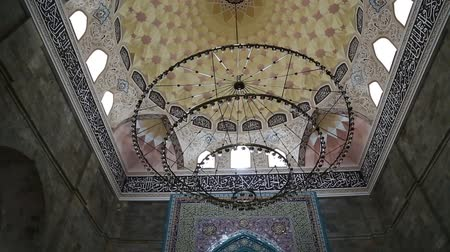 минарет : in azerbaijan juma mosque the view of the antique buildings Стоковые видеозаписи