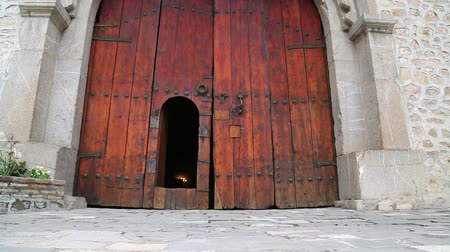 восточный базар : in azerbaijan sheki the old architecture in the town protect by unesco