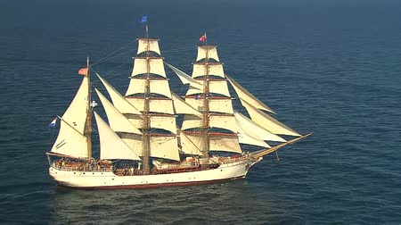 yelkencilik : aerial tall ship