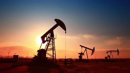 platforma : The oil pump, industrial equipment