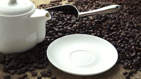 kahve çekirdeği : Coffee - pick up to drink and put back the coffee Stok Video
