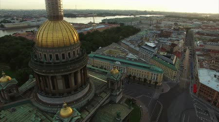 pokoj : Isaacs cathedral aerial shot in the morning Wideo