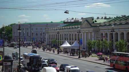 nevsky : SAINT-PETERSBURG, RUSSIA - JUNE 16, 2017 Nevsky city life Stock Footage